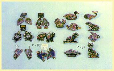 Lacquerware - Ear-rings, Broochs