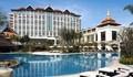Shangri-La Hotel - Front